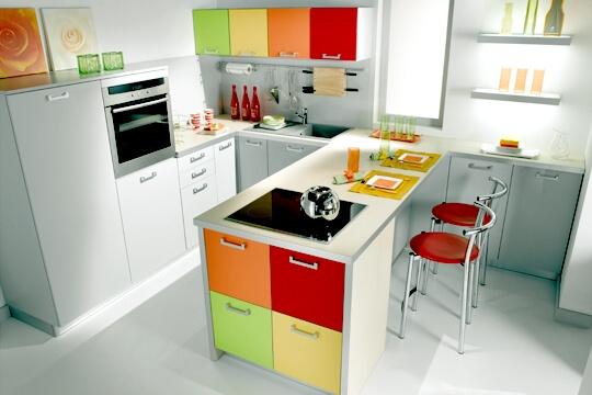 Cozinhas modernas armarios coloridos